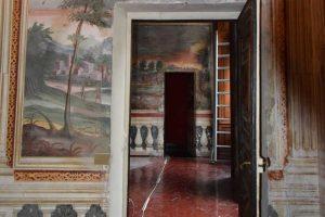 Genova - Villa Spinola affresco porta