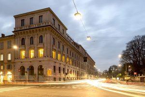 Foto serale di Palazzo Bernasconi zona Palestro Milano - Merope Asset Management