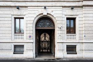 Ingresso Palazzo Bernasconi zona Palestro Milano - Merope Asset Management