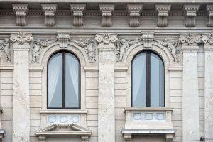 Finestre Palazzo Bernasconi zona Palestro Milano - Merope Asset Management