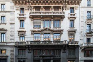 frontale facciata palazzo Via Manzoni 9