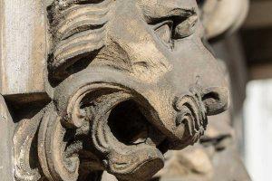 Bocca di leone palazzo Via Manzoni 9
